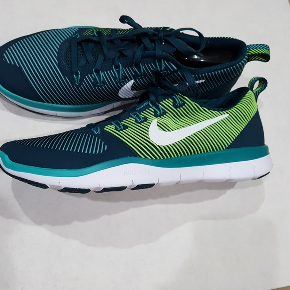 save off 5d1b8 dcdd8 Nike Training womens shoes size 9 like new. M 5cbbd5a108d2c2bbe19b1d75
